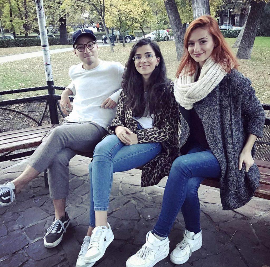 Яна Янчева, Крис Захариев и Андреа Banda Banda